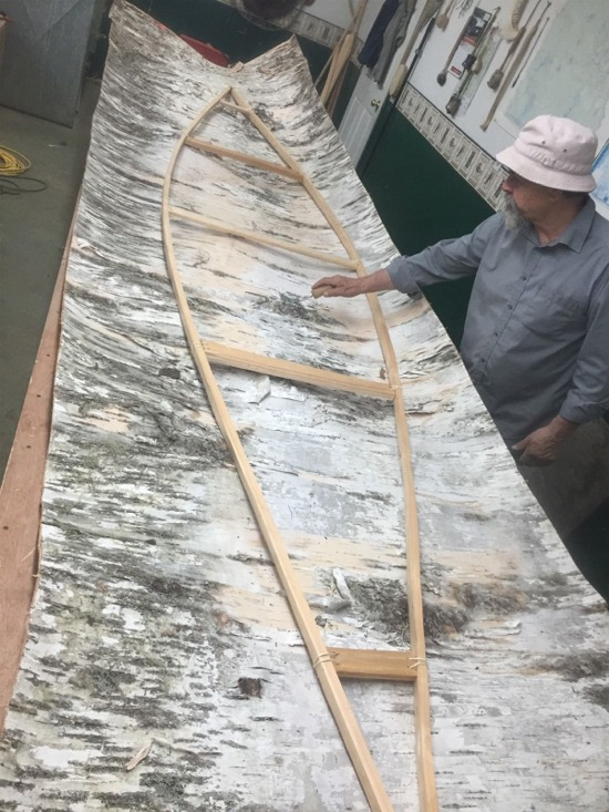 Gunwale assembly for birrchbark canoe