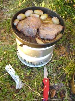 Trangia, steak and onions